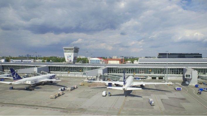 1,9 miliona pasażerów w lipcu na Okęciu