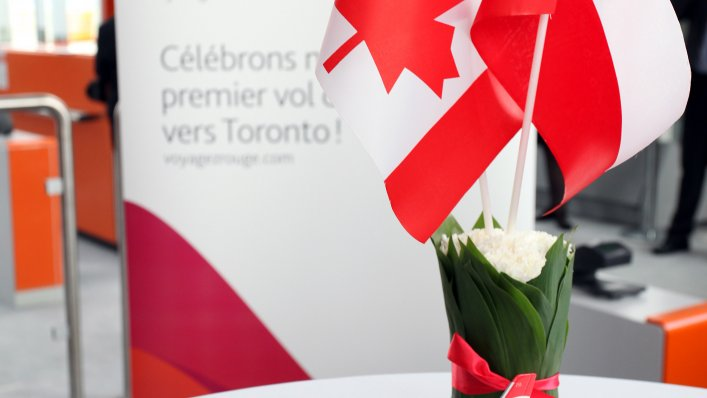 Air Canada Rouge: uruchomiła nowe połączenie z Warszawy do Toronto !