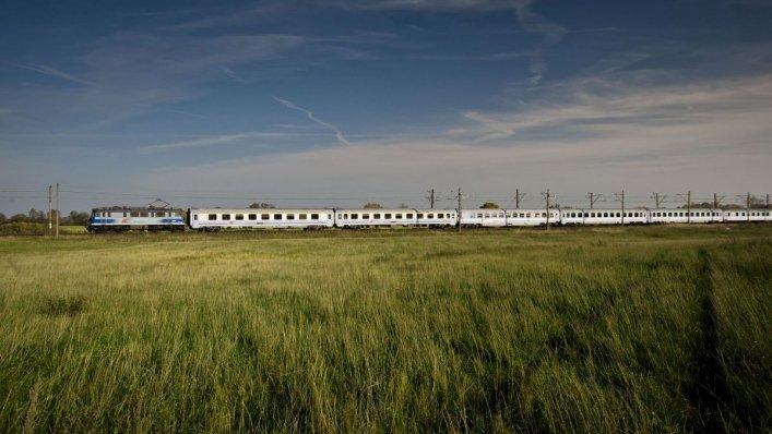 Majówka z PKP Intercity – więcej pociągów i promocje!