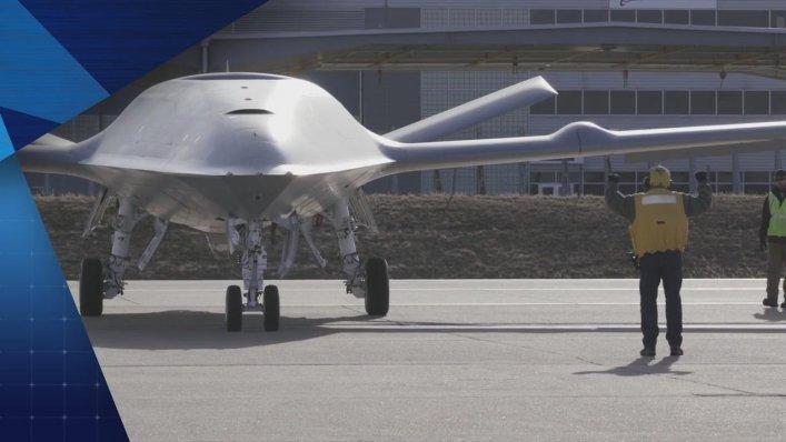 MQ-25 - pierwszy bezzałogowy samolot zatankował w powietrzu
