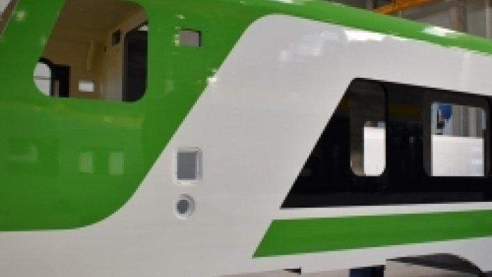 Nowe pudła wagonów FLIRT Kolei Mazowieckich