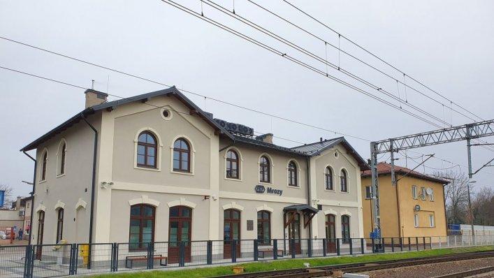 Otwarto dworzec w Mrozach