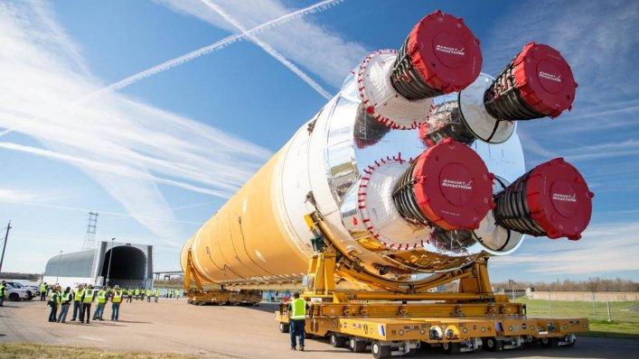 Pierwszy rdzeń rakiety dla NASA przybywa do Centrum Kosmicznego im. Kennedy'ego