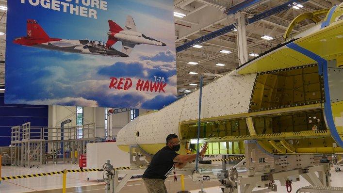 Pierwszy T-7A Red Hawk połączony cyfrowo w rekordowym czasie