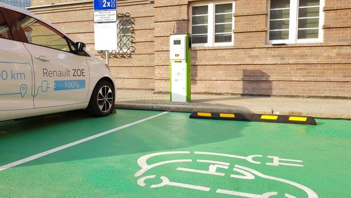 PKP S.A. wspiera wspiera elektromobilność