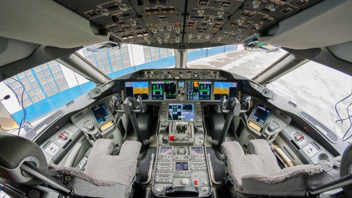 Ponad 1000 nowych pilotów chce pracować w PLL LOT