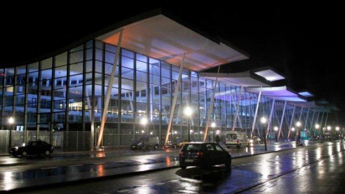 Wrocławskie lotnisko dalej na plusie