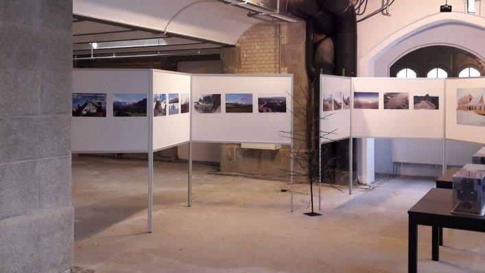 Wystawa fotografii górskiej na wrocławskim dworcu