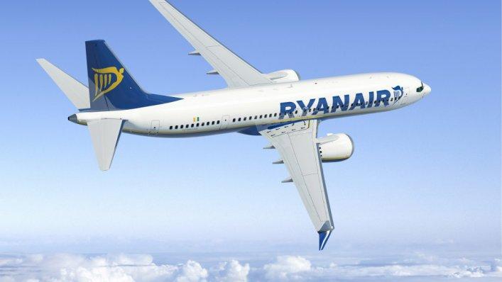 Zadowoleni pasażerowie Ryanair