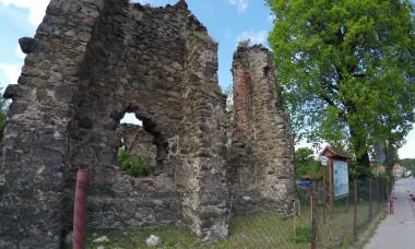 Ruiny kościoła św. Anny w Świebodzicach